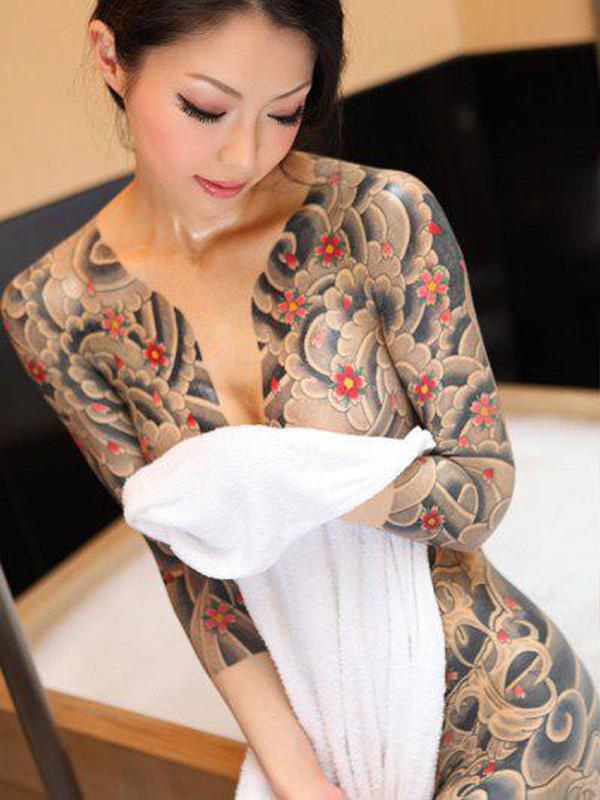 tatouage femme japonaise